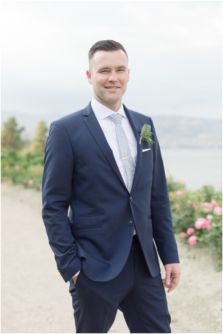 groom vancouver wedding photographer_1523.jpg
