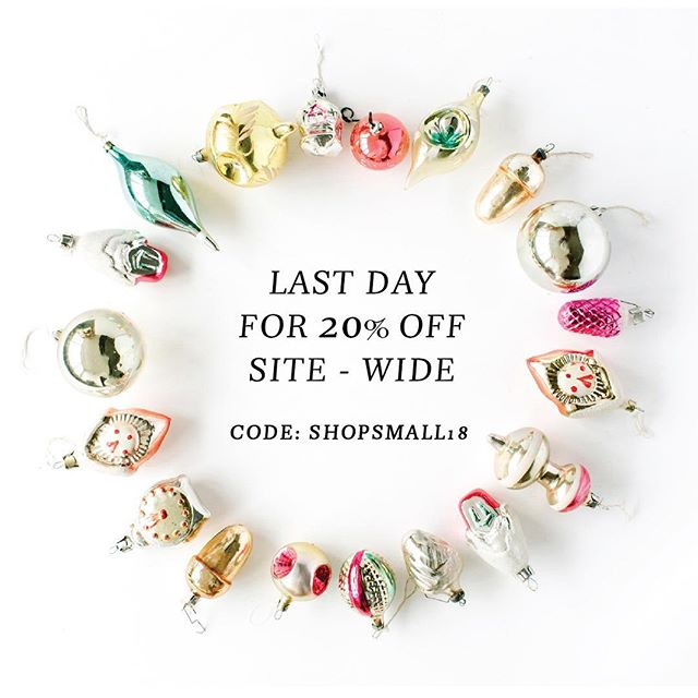It's Cyber Monday and you know what that means! Last day to scoop up this 20% off deal in my shop!  Thank you for all your Lettered Life love—-from sharing to commenting to tagging your friends to liking pics to ordering gifts for your loved ones—-I'm so grateful for all of the support! ❤️🎄🤗 #cybermonday #shopsmall