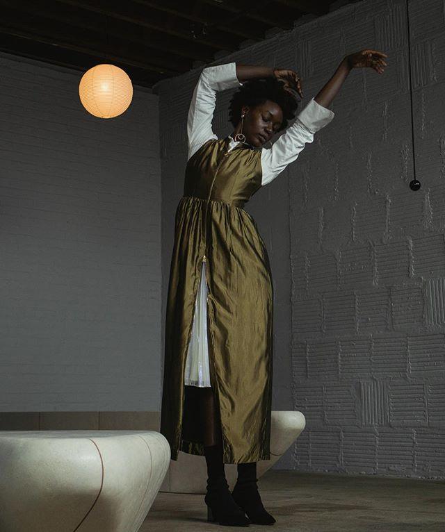 C'est @shanicehyman en le @elleest_  robe 'Luvenia'. Capturé par @sirnoahbility
