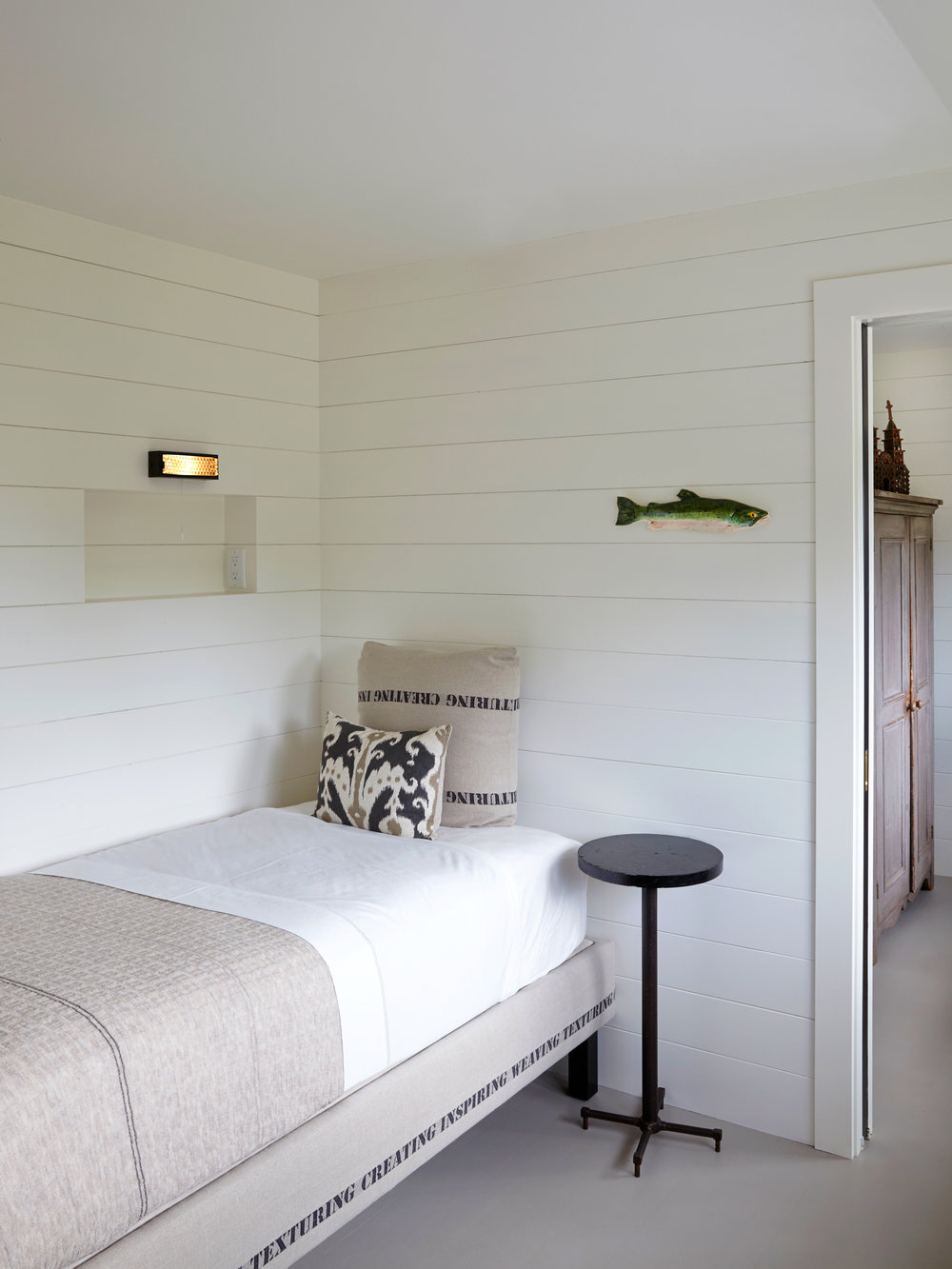 room-06.jpg