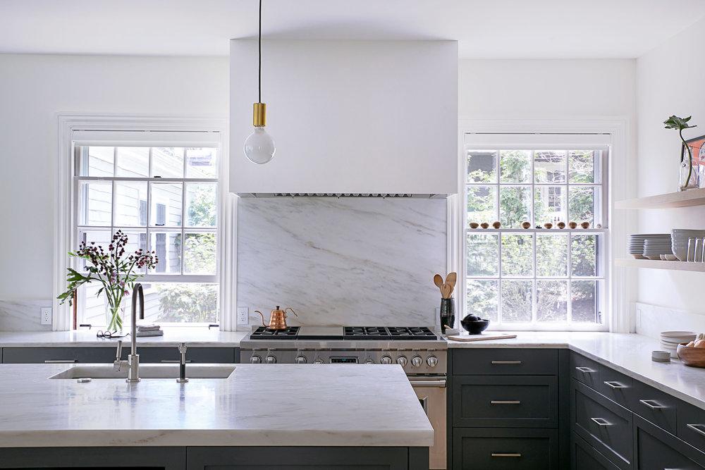 Lawson-Brookline-Katz-Kitchen-kitchen-island_WEB.jpg