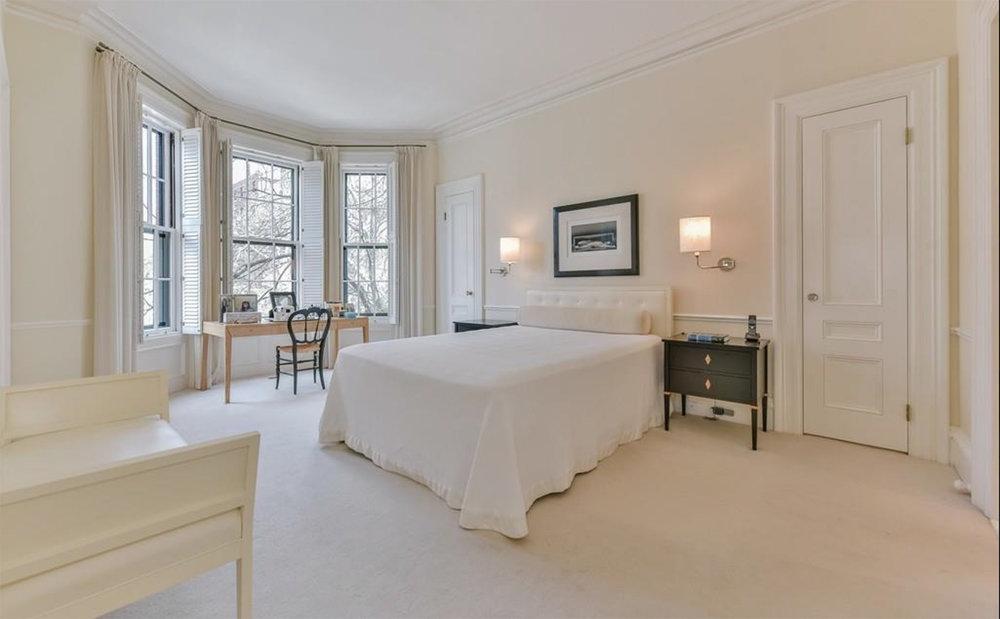 Robinson_BackBay_Bedroom.jpg