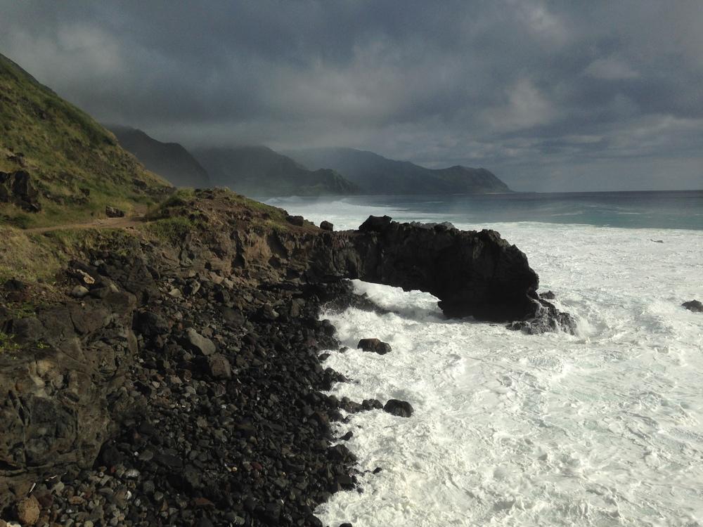 Arch hawaii bouldering