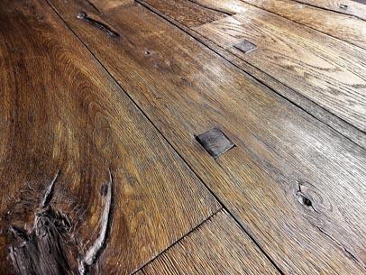 chic-engineered-reclaimed-wood-flooring-oiba-hardwood-flooring-sparuto-reclaimed-oak-aged-boards.jpg