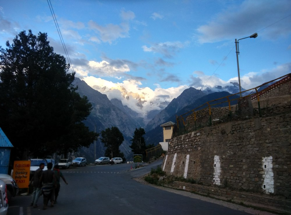 At Reckong Peo, climbing up to Kalpa