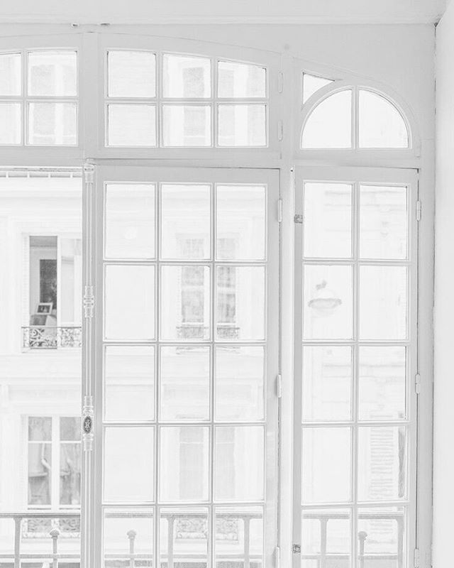 Bright + White #inspiration #interiordesign #decor #design #interior #windows