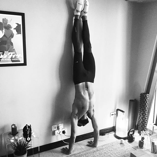 Long handstand hold practice in our zen digs. I find this practice helps to maintain good shoulder strength for handstands. Move, be happy and be healthy!