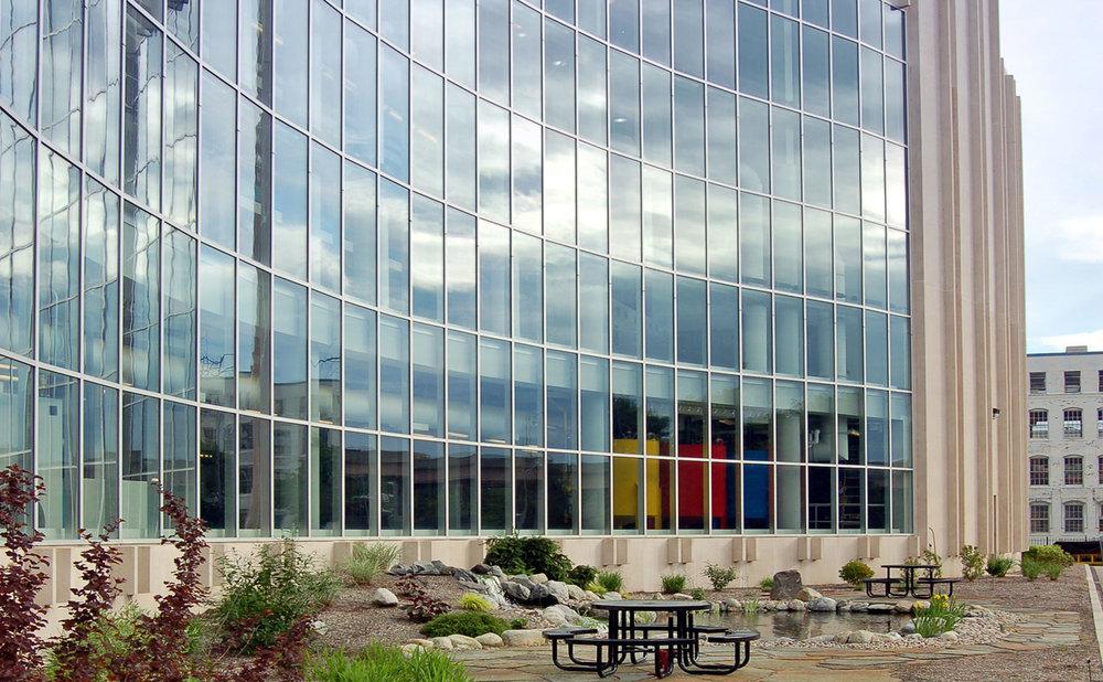 Springfield-outside-presshall.jpg