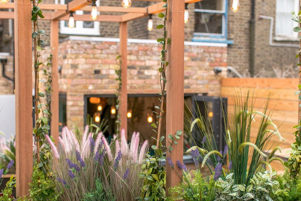 heads-tails-bar-interior-kinnersley-kent-design-garden-terrace.jpg
