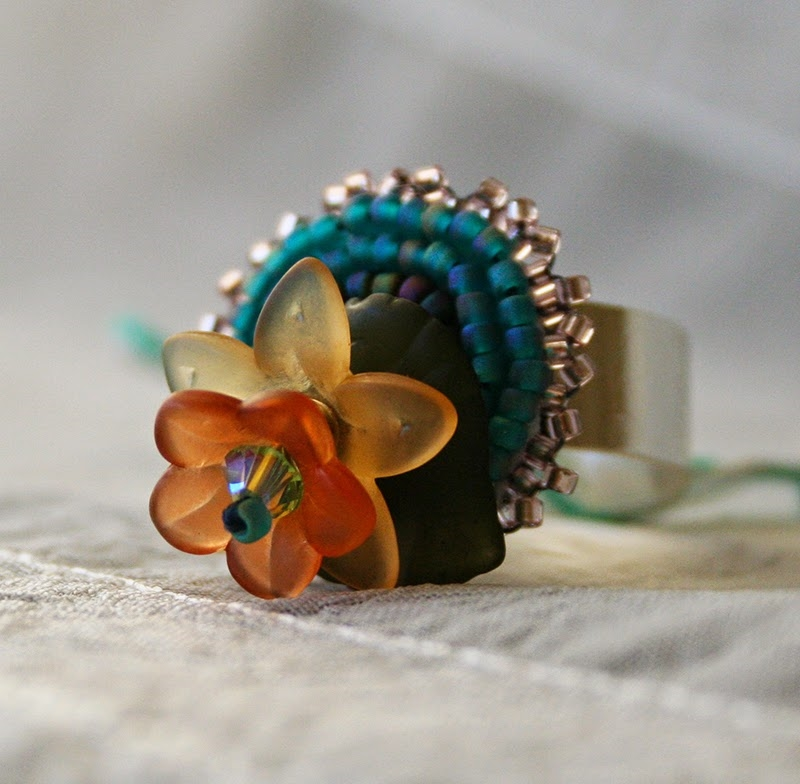 Lucite Flower Ring