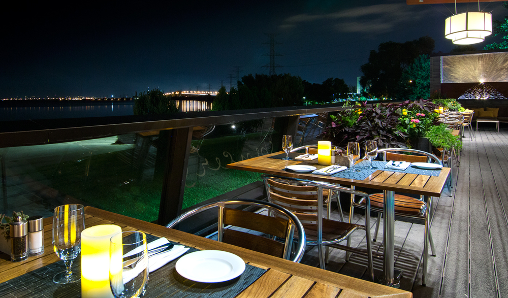 Spencers-DeckArea2(night).jpg