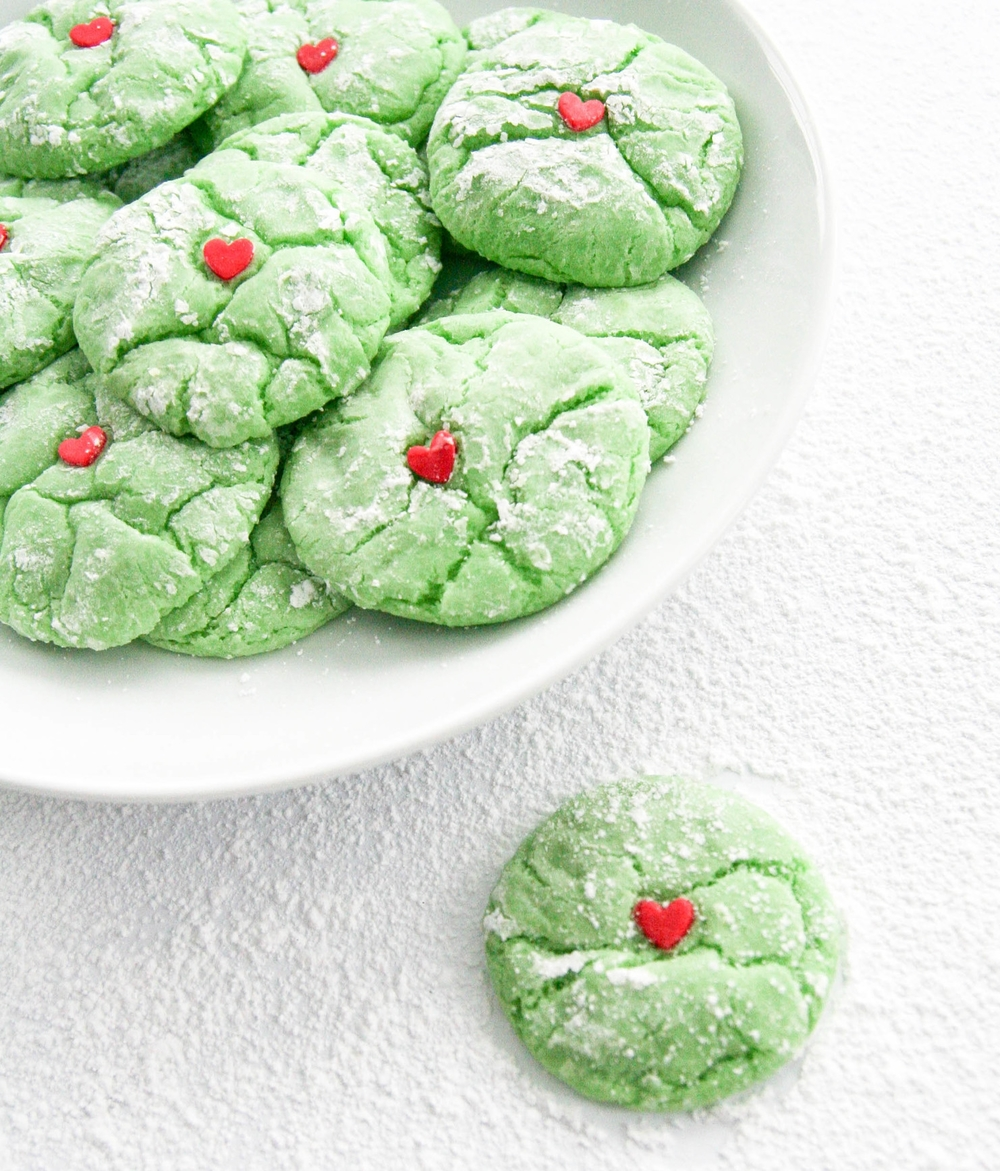 Grinch cookies, complete with fondant hearts two sizes too small