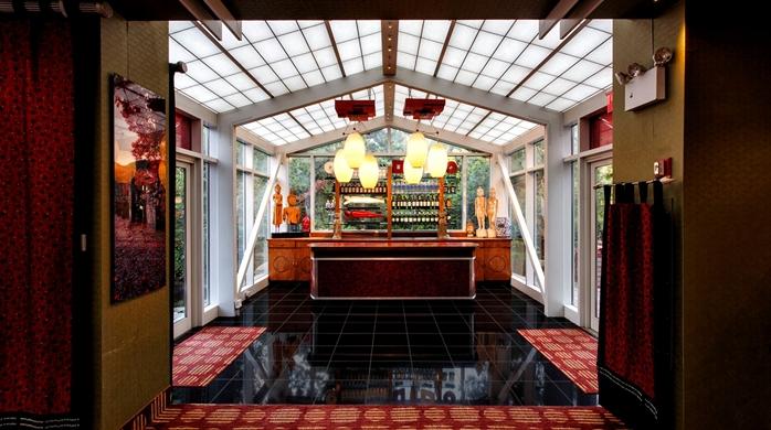 Tea House Garden Lobby