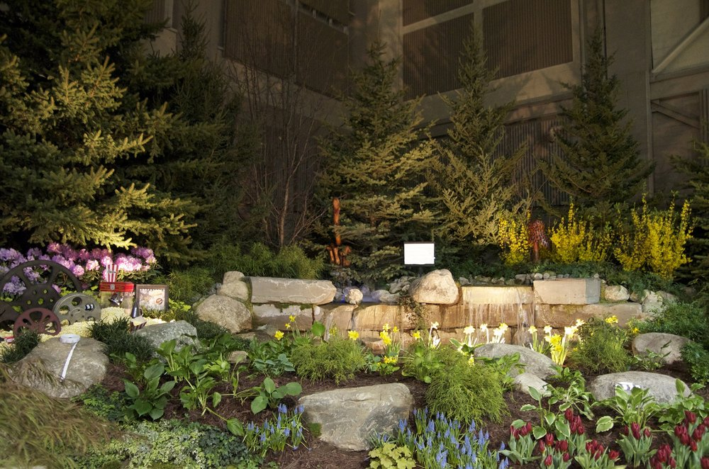 10 Water Feature and Plantings.jpg