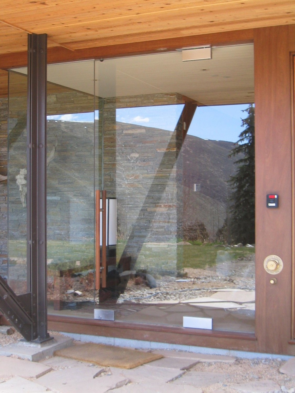 Bishop -Bear gulch-Entry doors 004.jpg