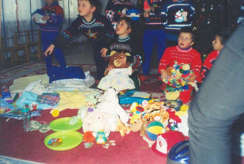 2003-Nikolaev-Orphanage-Parcel-Winter_3-compressor.jpg