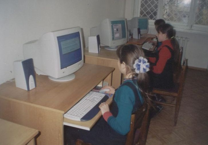 2003-Nikoloev-Computer-Class_6.2-compressor.jpg