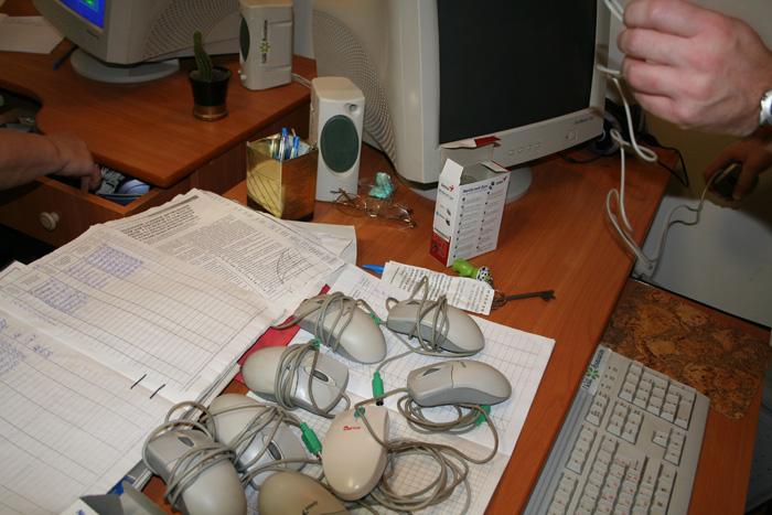 2006 Nikolaev Orphanage Visit Computer Class_0.jpg