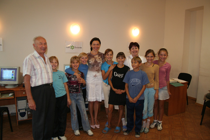 2006 Nikolaev Orphanage Visit Computer Class_07.jpg