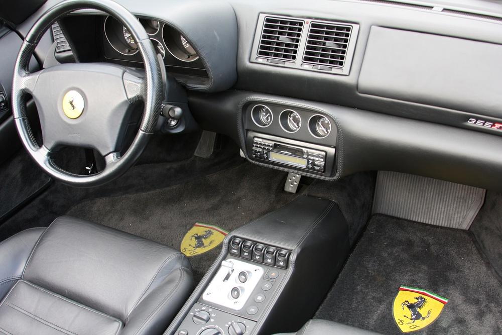 1999 Ferrari 355 F1 Spider (X0115075) - 33.jpg