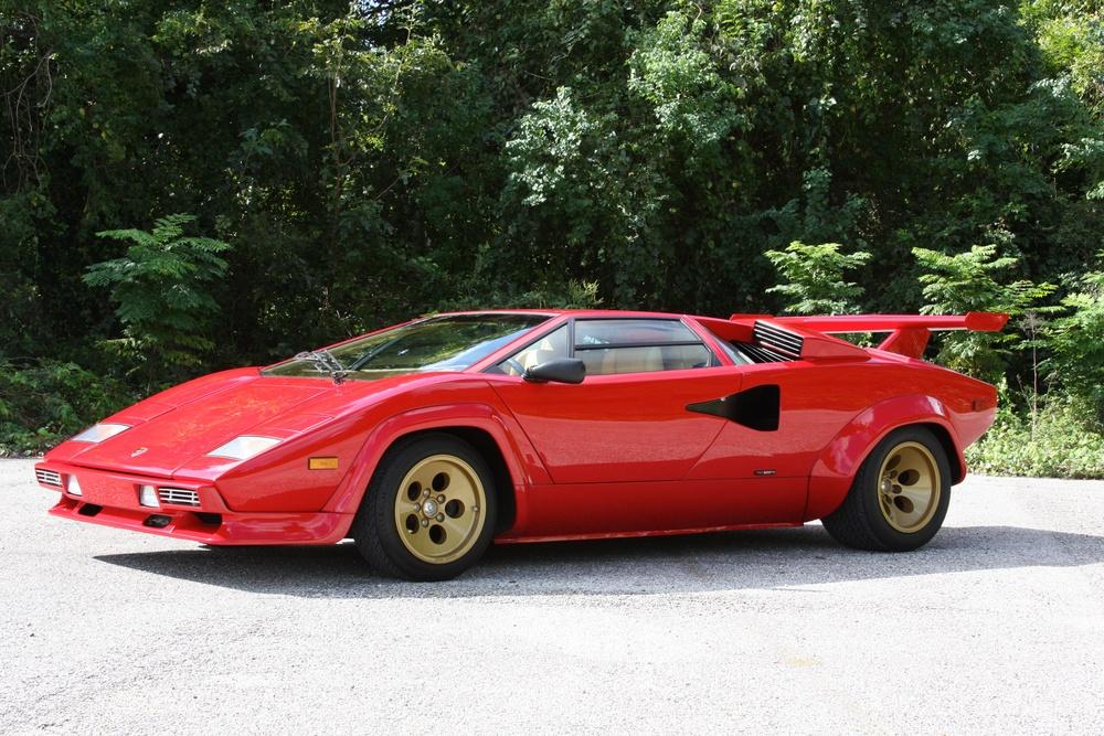 1983 Lamborghini Countach (CLA12540) - 04.jpg