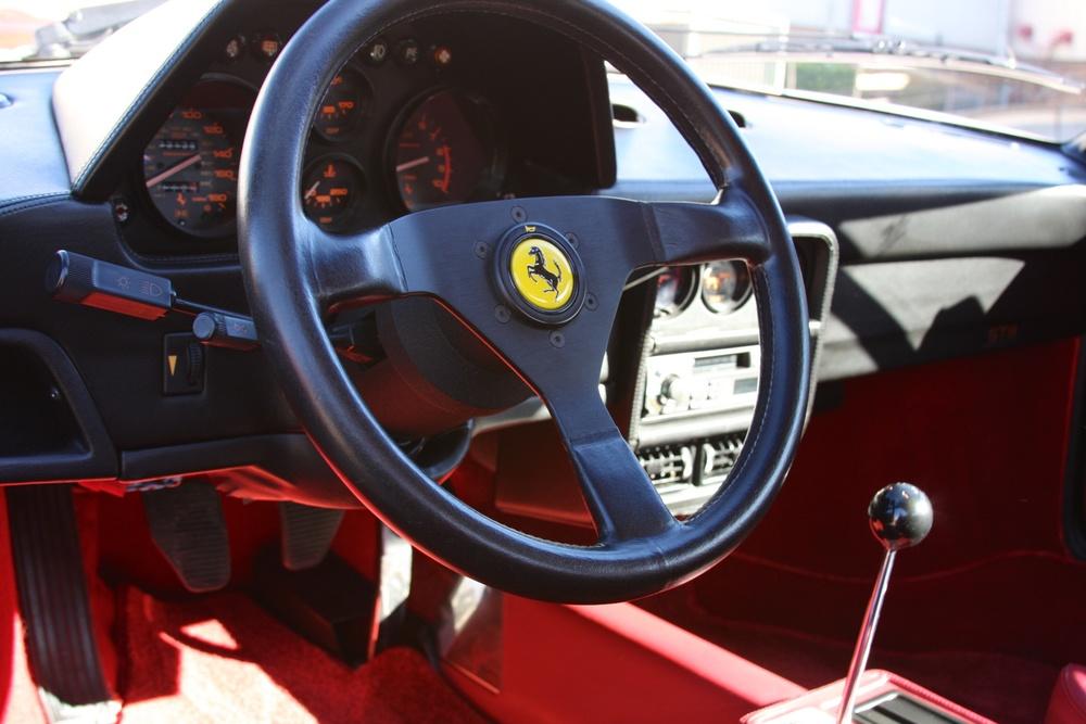 1988 Ferrari 328 GTB (J0075912) - 14.jpg