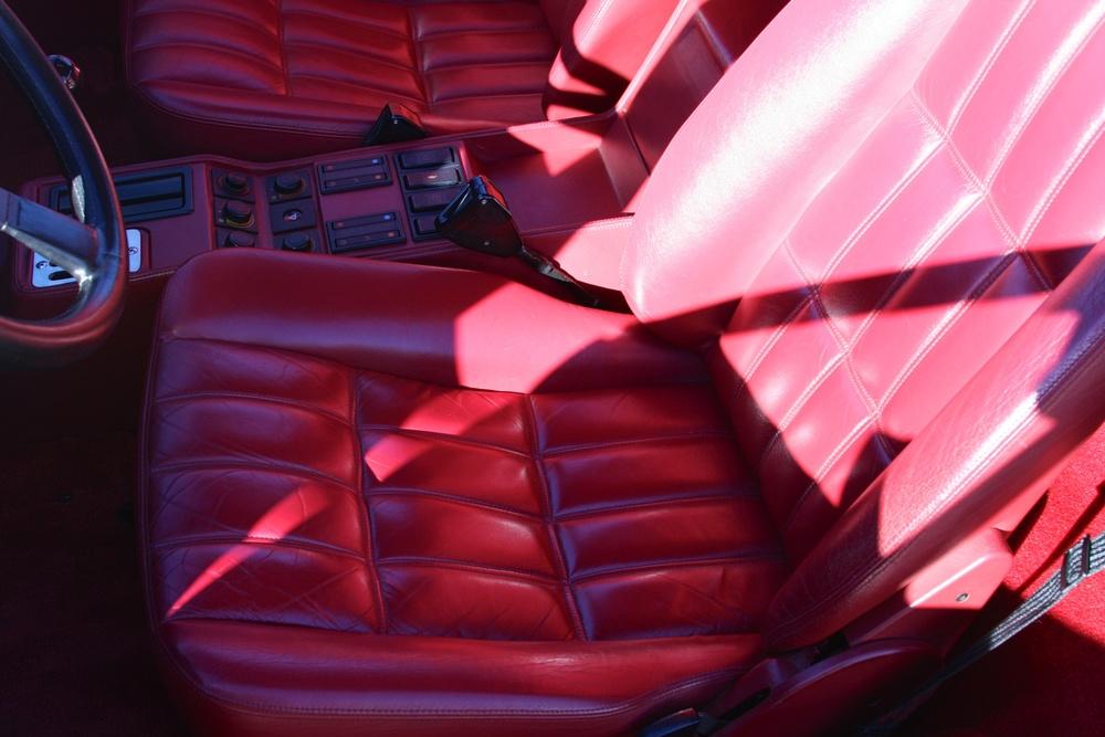 1988 Ferrari 328 GTB (J0075912) - 18.jpg