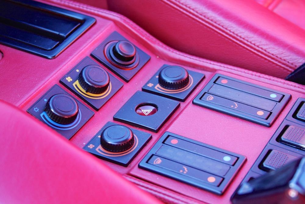 1988 Ferrari 328 GTB (J0075912) - 20.jpg