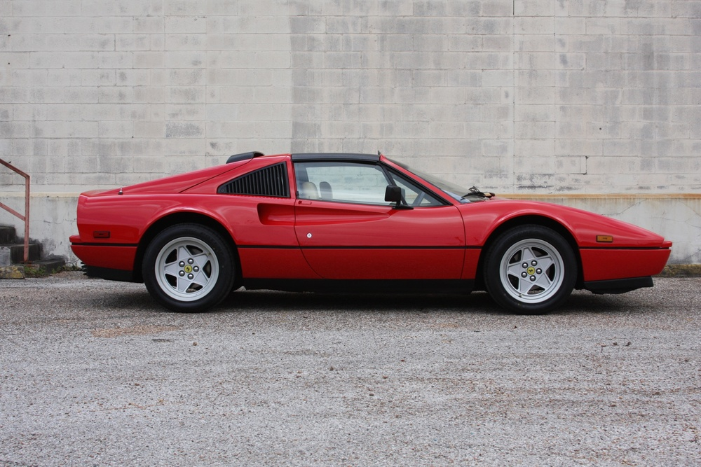 1987 Ferrari 328 GTS (H0067161) 02.jpg