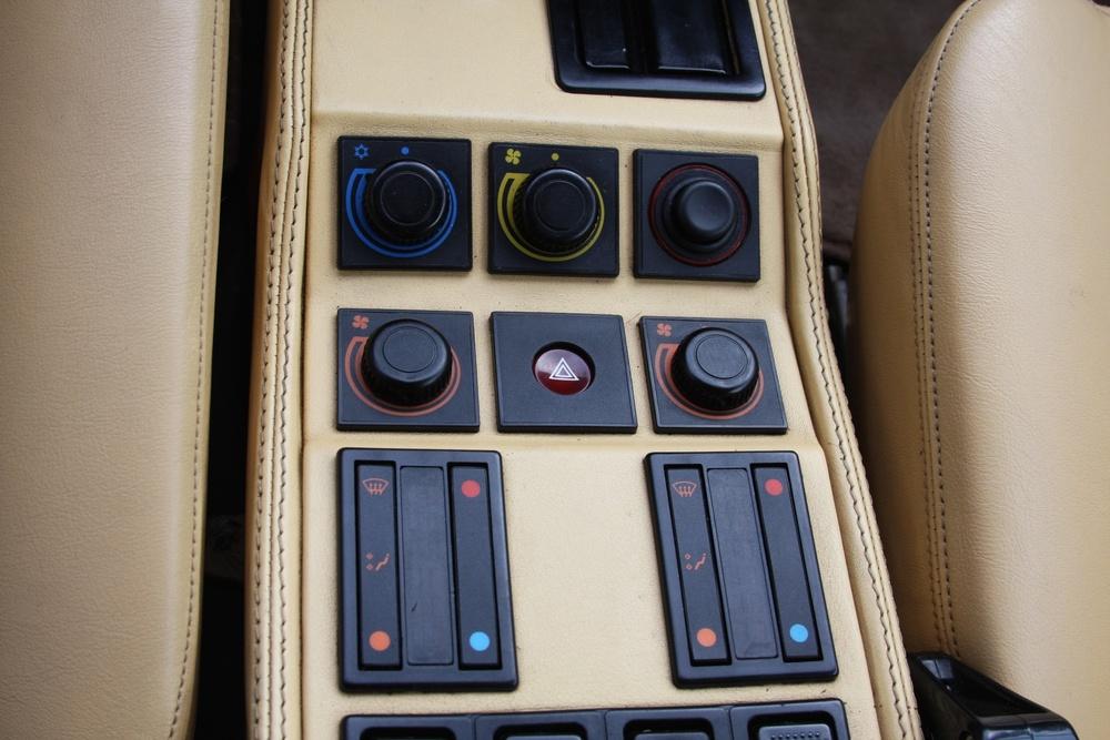 1987 Ferrari 328 GTS (H0067161) 16.jpg