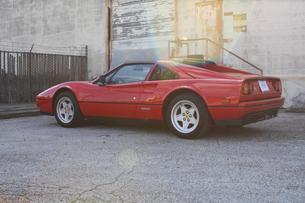 1988 Ferrari 328 GTS (J0075955) 5.jpg