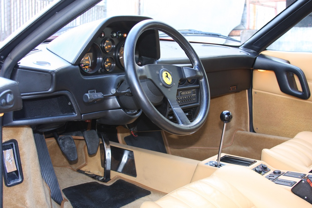 1988 Ferrari 328 GTS (J0075955) 9.jpg