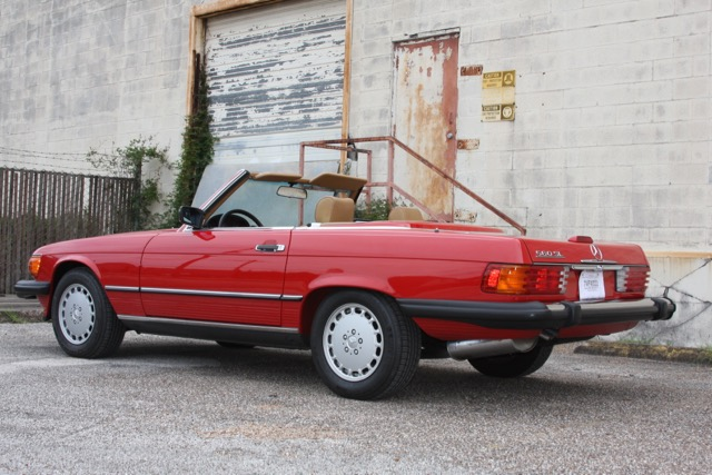 1988 Mercedes-Benz 560SL - 05 of 31.jpg