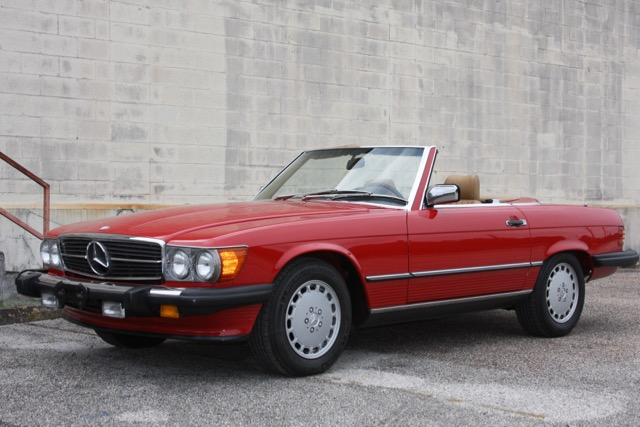 1988 Mercedes-Benz 560SL - 07 of 31.jpg