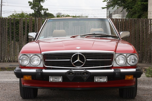 1988 Mercedes-Benz 560SL - 08 of 31.jpg