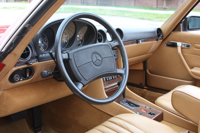 1988 Mercedes-Benz 560SL - 10 of 31.jpg