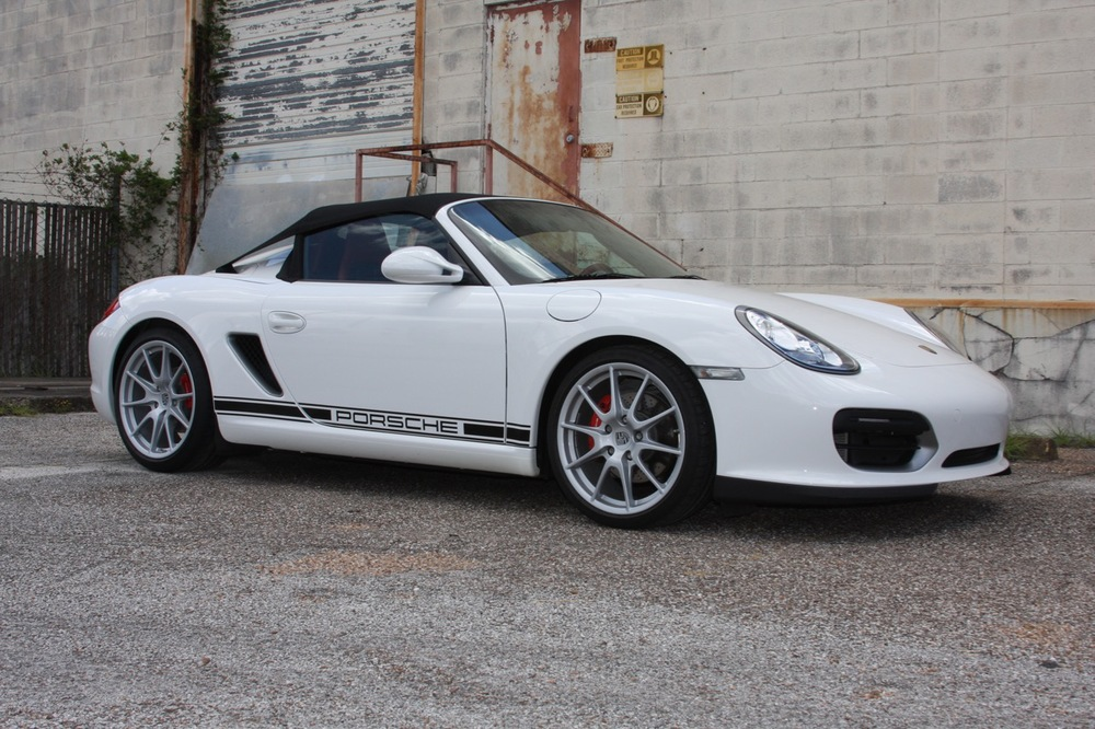 2011 Porsche Boxster Spyder (White-Red) - 01 of 27.jpg