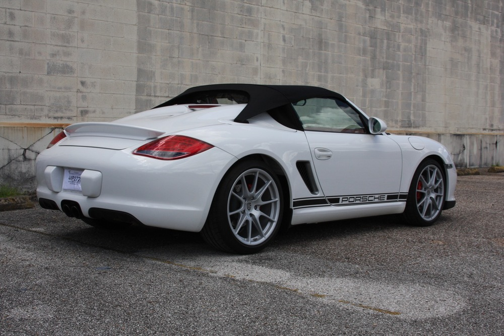 2011 Porsche Boxster Spyder (White-Red) - 03 of 27.jpg