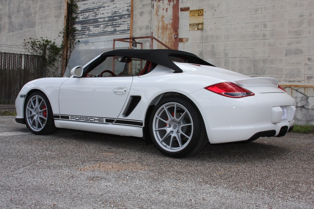 2011 Porsche Boxster Spyder (White-Red) - 04 of 27.jpg