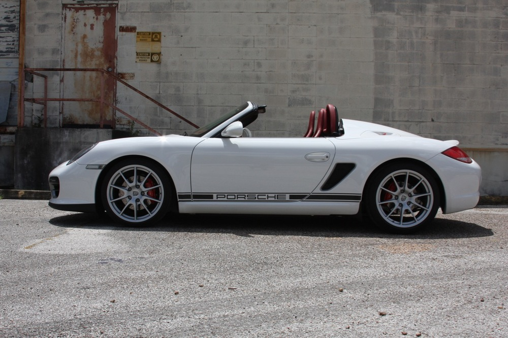 2011 Porsche Boxster Spyder (White-Red) - 11 of 27.jpg