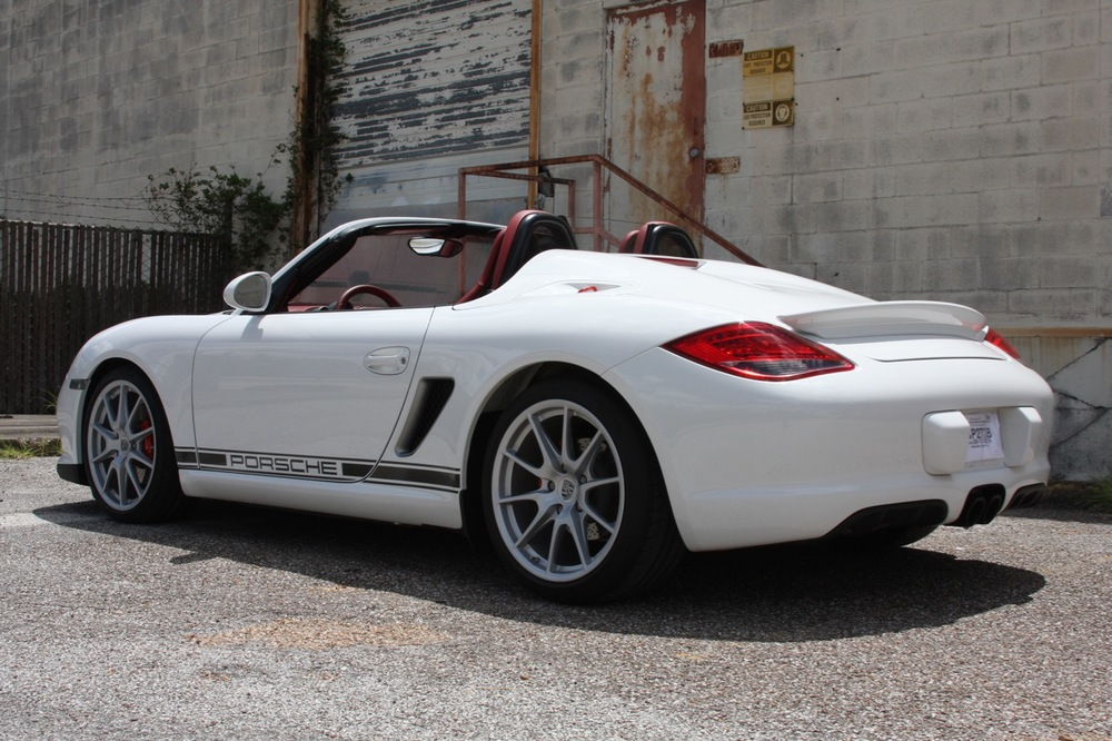 2011 Porsche Boxster Spyder (White-Red) - 10 of 27.jpg