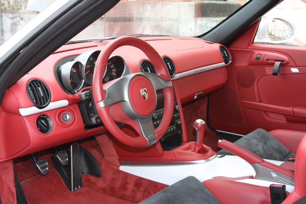 2011 Porsche Boxster Spyder (White-Red) - 15 of 27.jpg