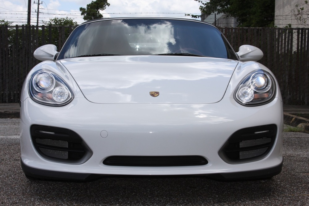 2011 Porsche Boxster Spyder (White-Red) - 13 of 27.jpg