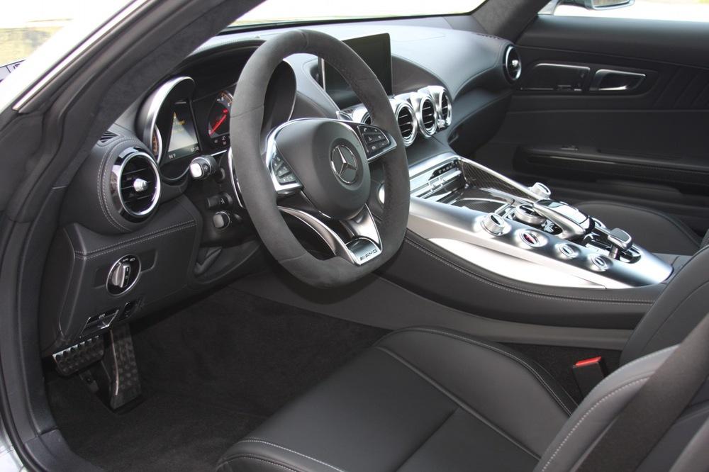 2016 Mercedes-Benz AMG GT-S - 11 of 25.jpg