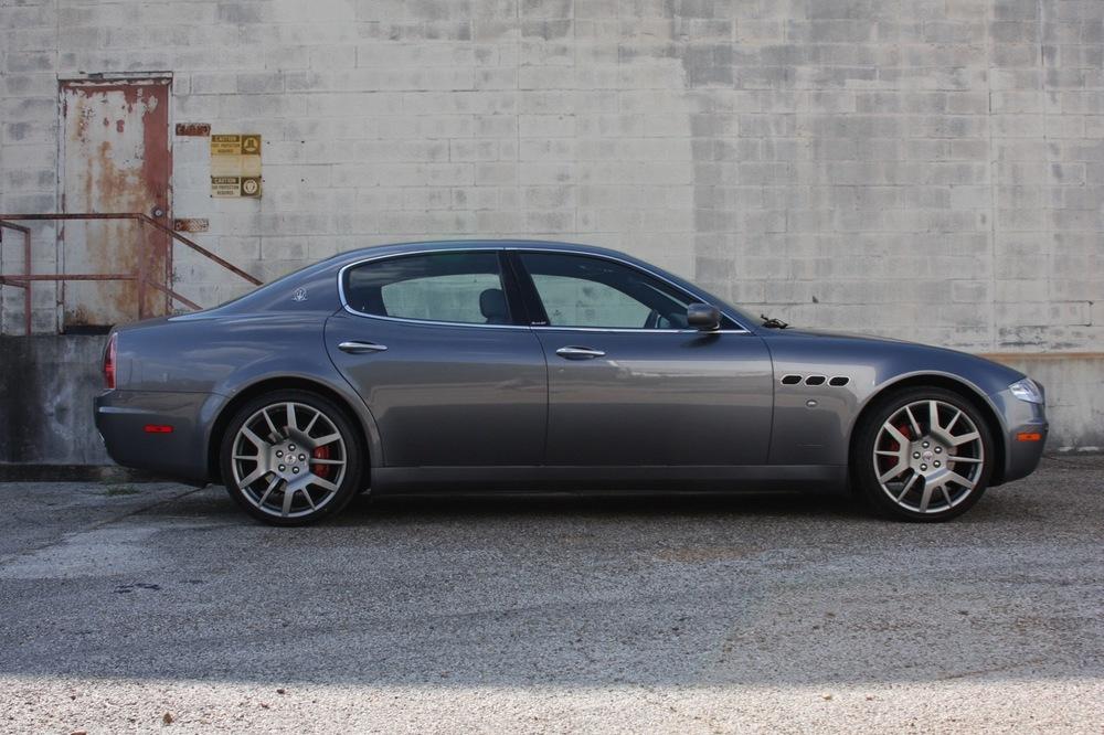 2008 Maserati Quattroporte - 02 of 33.jpg