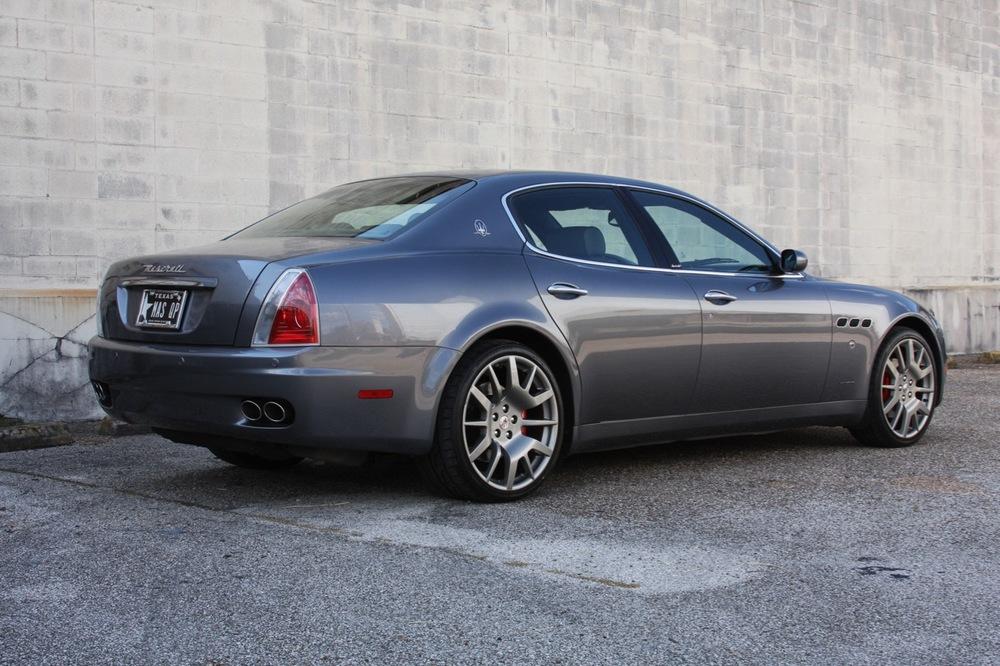 2008 Maserati Quattroporte - 03 of 33.jpg