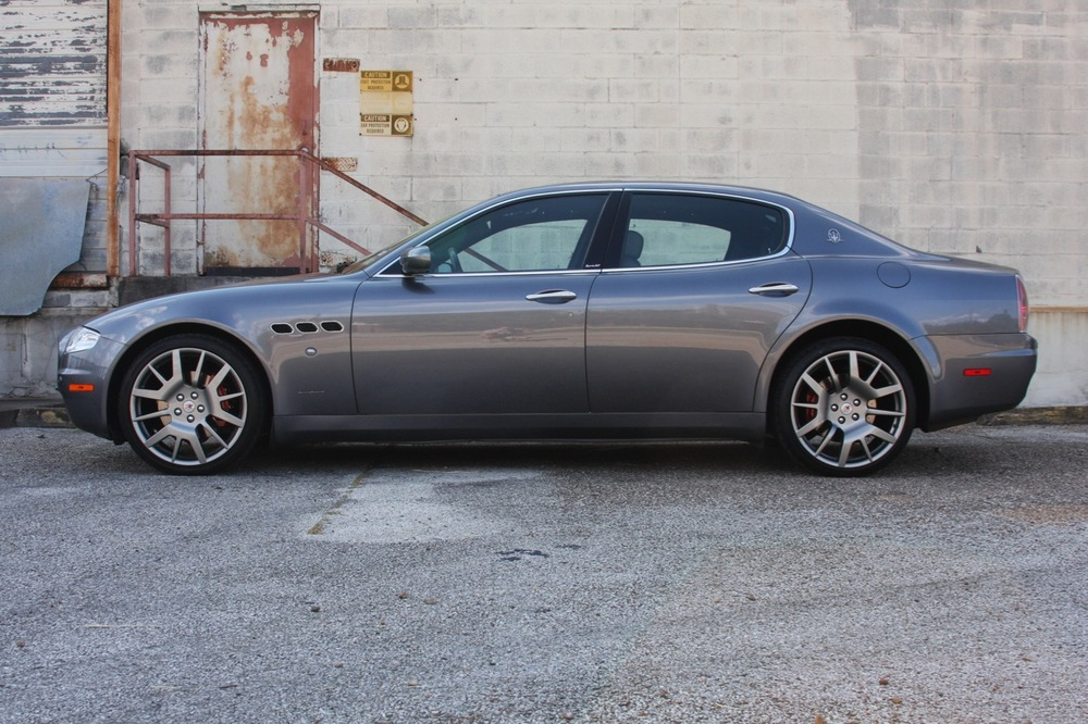 2008 Maserati Quattroporte - 06 of 33.jpg