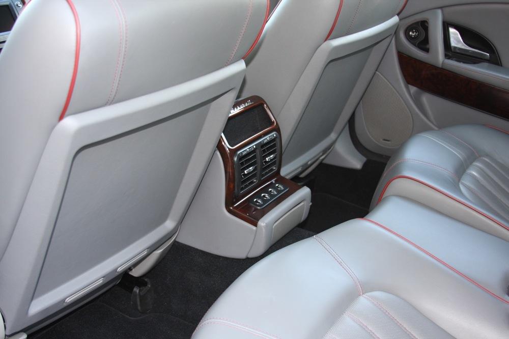 2008 Maserati Quattroporte - 24 of 33.jpg
