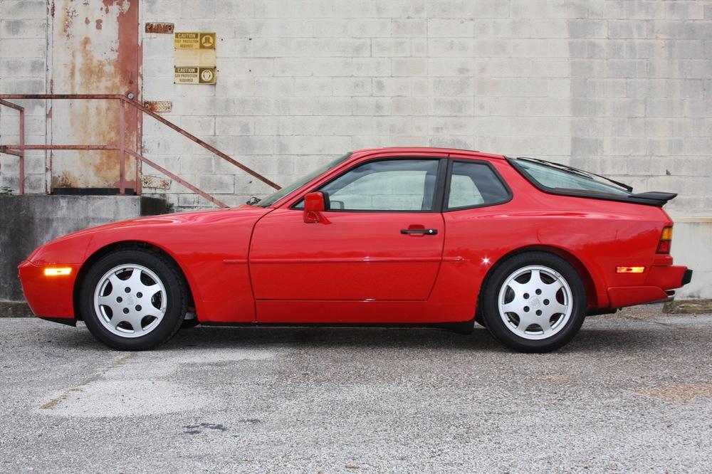 1991 Porsche 944 S2 - 06 of 35.jpg