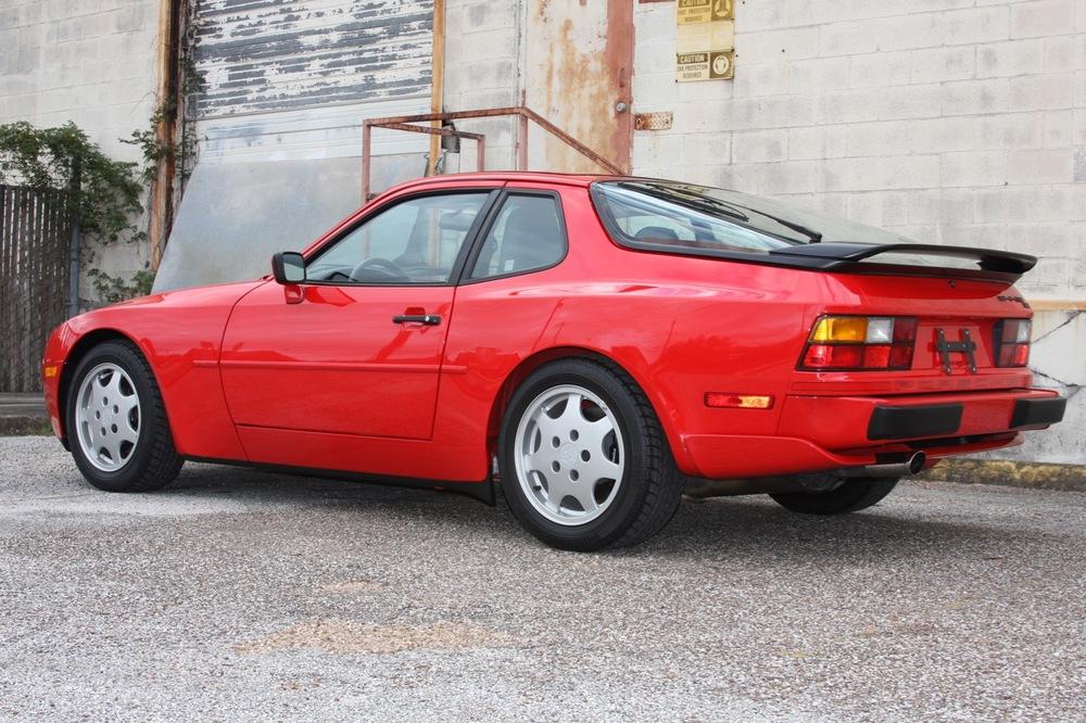 1991 Porsche 944 S2 - 05 of 35.jpg